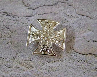 Concho Screw-back Jewelry Maltese Cross with Shiny Silver Finish and Star Perfect for Ring