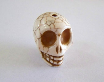 Skull Large Cream Colored Stone Bead