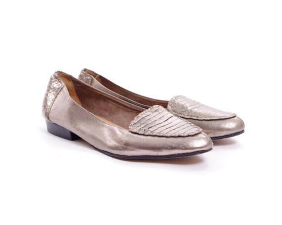 Vintage Metallic Snakeskin Leather Flat Loafer Shoe - ( 7.5 ) ( 38 )