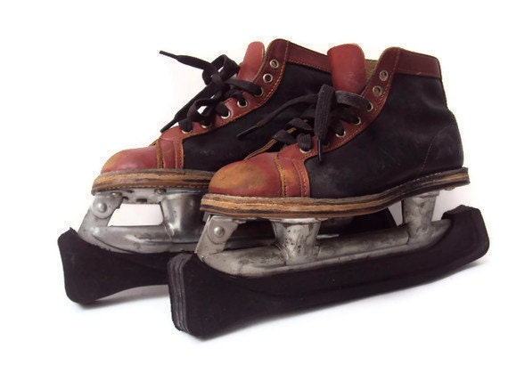 Vintage Childrens Ice Skates, Shabby Chic Leather, Primitive,1940s-1950s, Mid Century, Sport Equipment, Blade Covers Included, Size 12