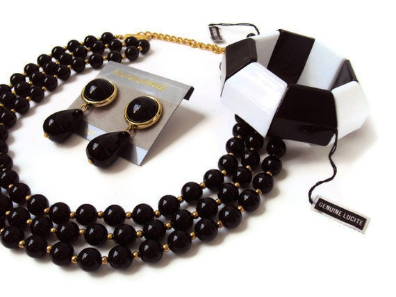 Vintage Lucite Jewelry Set, Black and White Costume Jewelry Set, MINT Condition w/ Tags, Statement Jewelry, Multi Strand Adjustable Necklac