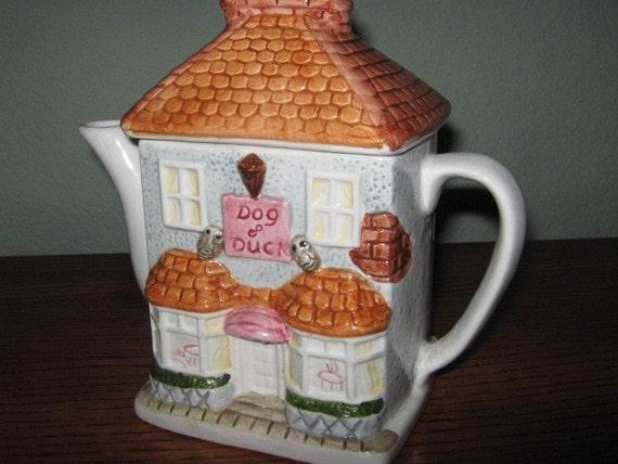 Vintage English Cottage Teapot