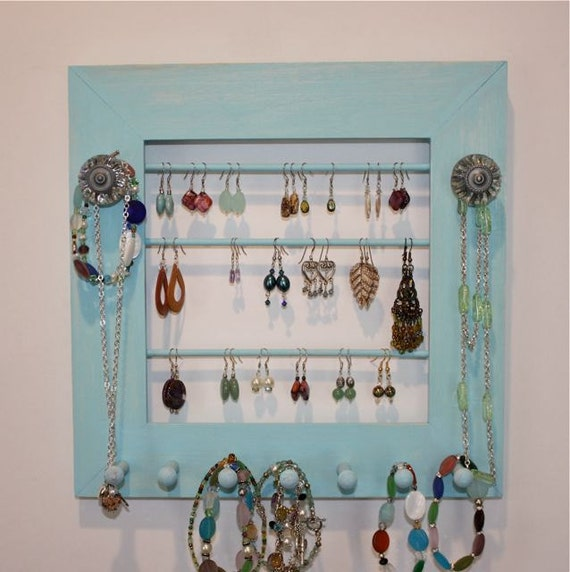 Jewelry Holder to Organize Earrings.
