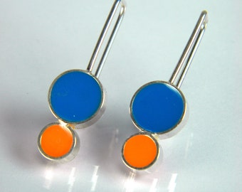 Silver Circles Dangle Earring in Blue and Orange Resin