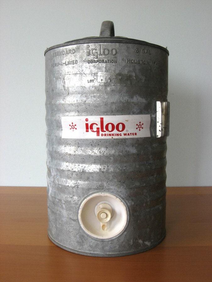 Vintage igloo galvanized water cooler - Igloo vintage ...