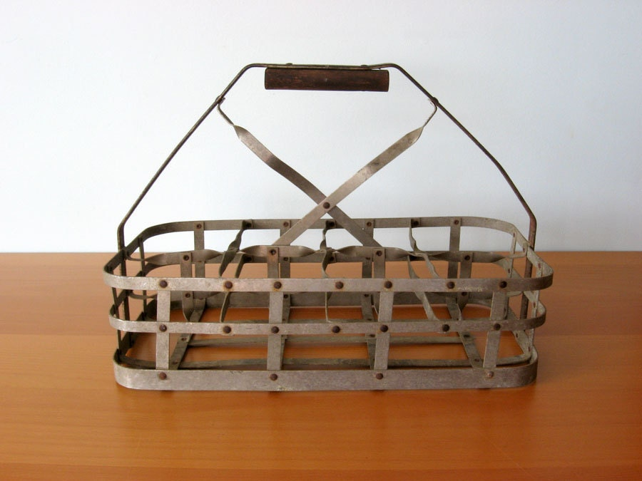 vintage milk bottle carrier. Black Bedroom Furniture Sets. Home Design Ideas