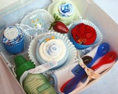 Baby shower gift - Diaper cupcakes - All the essentials