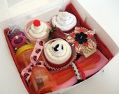 Ultimate baby gift set - Diaper cupcakes and more - Includes all the essentials