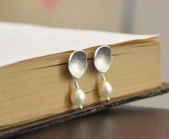 Silver Modern Round Disc Earrings with Freshwater Pearls-Sterling Silver Posts, Elegant