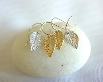 leaf earrings,small leaf earrings,dangle leaf earrings,gold leaf earrings,silver leaf earrings,tiny leaf earrings,everyday earrings