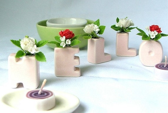 Alphabet Ceramic, HELLO,  with handcrafted clay Roses