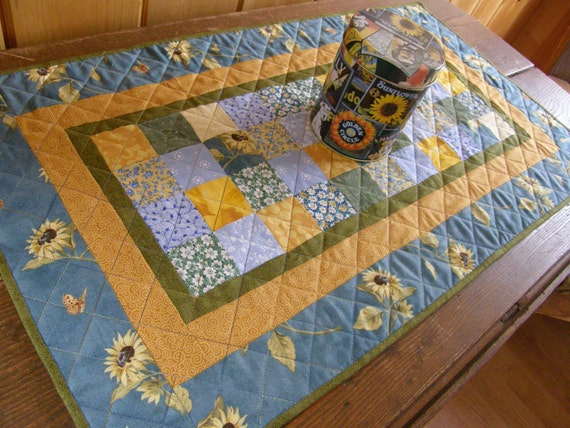SUMMER SUNFLOWERS Quilted Patchwork Table Runner