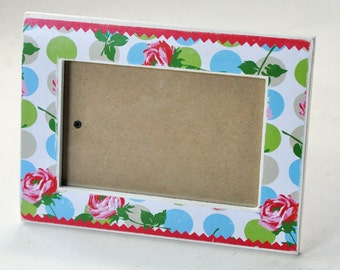 wooden picture frame roses and polkadots