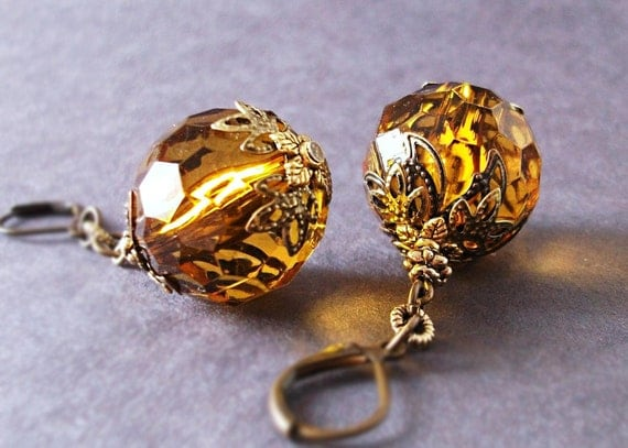 Golden Honey Earrings. Spiced Honey & Antiqued Brass. La Boheme. Vintage Lucite and Antiqued brass, lightweight and swingy.