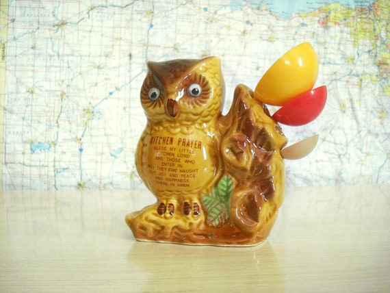 Kitchen Owl with Three Measuring Spoons - Vintage