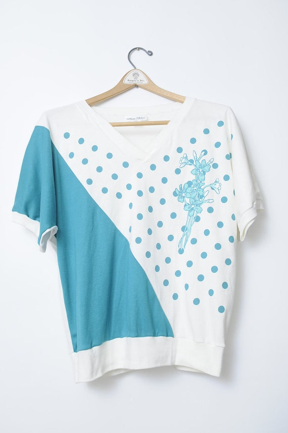 Vintage 90s Blue and White Polka Dot T Shirt With Floral Print