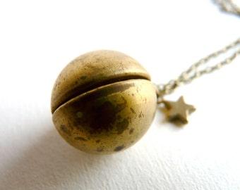 Vintage secret ball locket pendant ( escape, postcards, hiding place, voyage, vintage beads ) 13