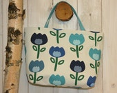 Purse with nice floral covered Swedish textile.