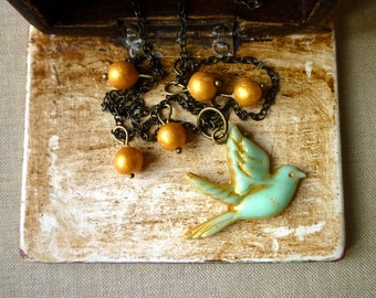 Little Aqua Bird Necklace - Romantic Bird and Beads