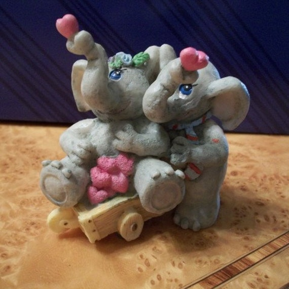Vintage, Elephants with Hearts, Nanas Vintage Shop on Etsy