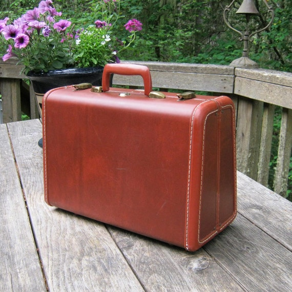 RESERVED for LINDA only - Samsonite Little Redish Brown Suitcase With Dusty Rose Interior