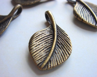 Antiqued Brass High Quality Leaf Charms - (4)