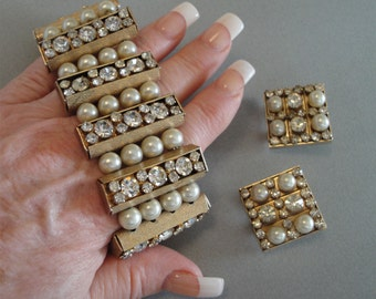 Vintage Chunky Pearl Bracelet Set in Gold with Earrings WIDE with Rhinestones Bold and unusual runway designer quality mother of the bride