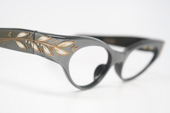grey cat eye glasses retro vintage
