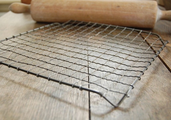 Crinkled Wire Square Baking Rack