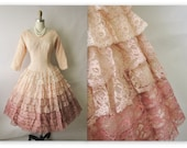 50's Ombre Lace Dress // Vintage Tiered Peach Lace Full Wedding Party Prom Tea Dress S