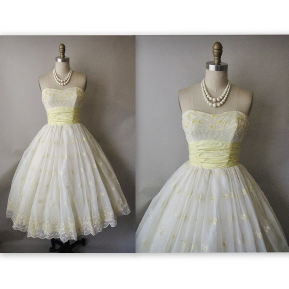 50's Wedding Dress // Vintage 1950's Embroidered Chiffon Strapless Wedding Party Prom Dress XS