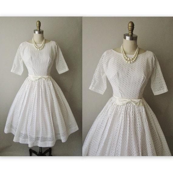 50's Wedding Dress // Vintage 1950's White Eyelet Chiffon Wedding Party Prom Dress XS