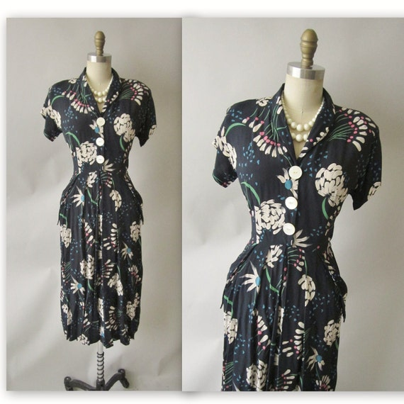 40's Floral Dress // Vintage 1940's Abstract Floral Print Rayon Cocktail Party Evening Swing Dress