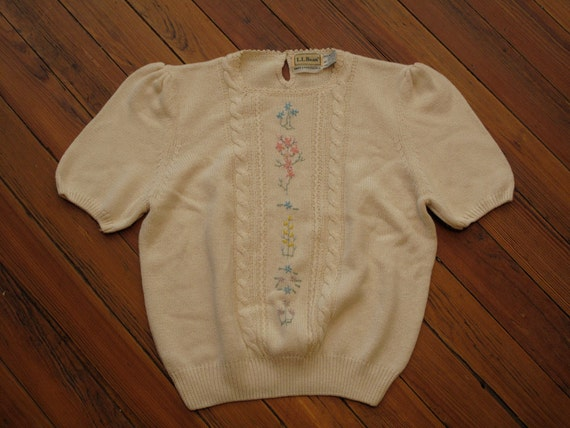 women's vintage L.L. Bean short sleeve sweater.