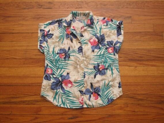 women's vintage hawaiian print short sleeve.