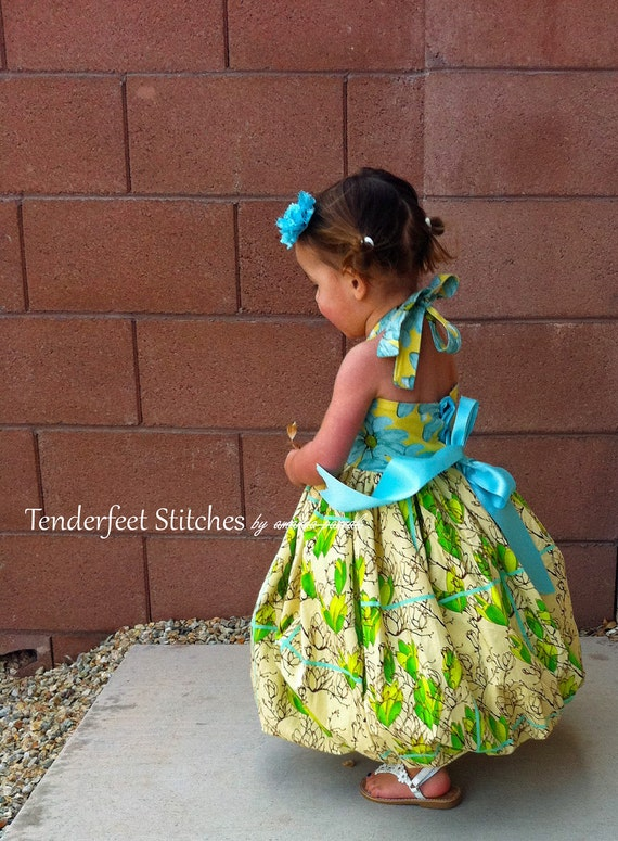 Do it Yourself SIY kit for Lace Up Halter Bubble Dress with full pdf tutorial LAST ONE 18m or smaller