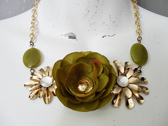 Olive Garden - Statement Necklace