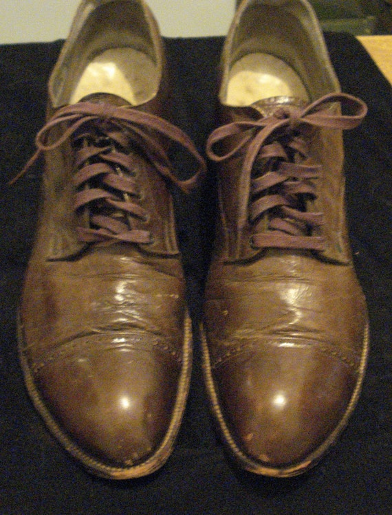 1920s women's brown leather oxford shoes