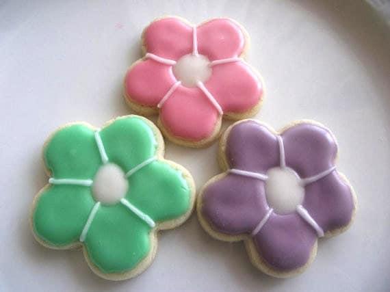 Flower sugar cookies 2 dozen  -  for  wedding favors, bridal shower, graduation, birthday,mothers day