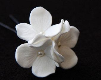 Bridal Hair Pin, Hydrangea Trio Hair Pin Decorated With Pearls, Bridal Hair Flower, Wedding Hair Accessory, Bridal Flower Pin, Wedding Pin
