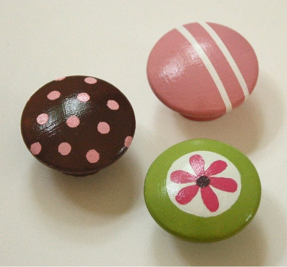 Set of 3 DRAWER PULLS Mod inspired green with flower, pink and brown geometric