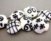 6 black and white beads, lampwork glass, 20x18mm lentil shape