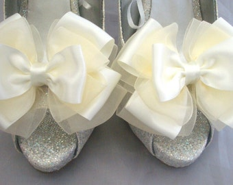 Ivory ShOe CliPs Satin and Organza Wedding Bridal Pinup Burlesque Peony Bows 4 Shoes by Seriously Sassy