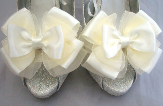 Ivory Shoe Clips Bridal Satin & Organza Wedding Accessories Pinup Burlesque Peony Bows 4 Shoes by Seriously Sassyx