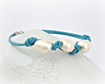 Freshwater pearls blue turquoise leather bracelet with sterling silver clasp