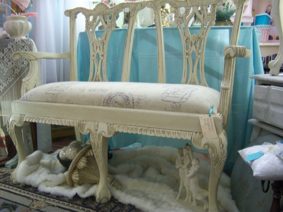 NeW pRiCe  Marie Antoinette Style Bench, Hand Carved with Shabby Chic Finish