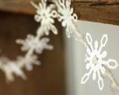 Snowflake Garland - Winter wedding, Winter home decor, Wedding decor, Holiday garland