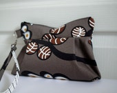 Zipper Wristlet with Removable Strap - Cosmetic Pouch - Wonder forest - gray pouch