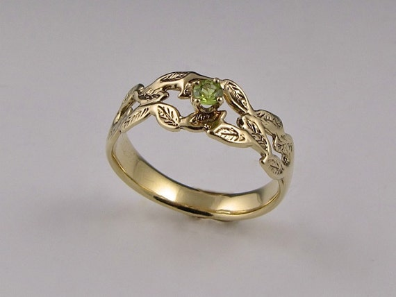 14K Gold Ring of Leaves with Peridot
