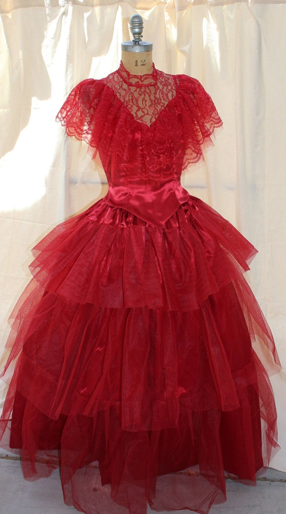 Lydia deetz red wedding dress beetlejuice sz 6 med by for Lydia deetz wedding dress